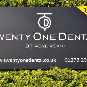 Twenty One Dental - Hove, sign